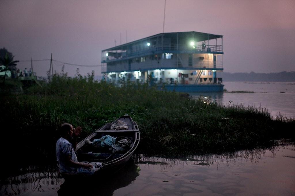 Sykehusbåten Jibon Tari bruker elvene i Bangladesh til å nå ut til fattige mennesker i vanskelig tilgjengelige områder uten helsetilbud.
