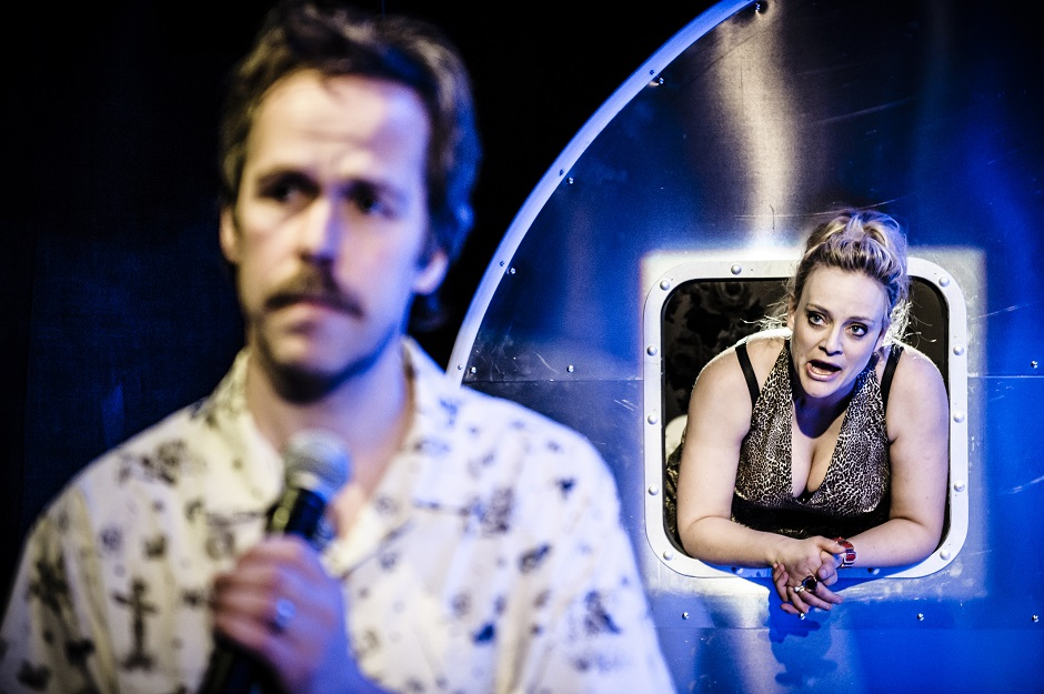 En får være som en er – en Ole Ivars musikal, Torshovteatret, Nationaltheatret, 2014. På bildet fra venstre: Bernhard Arnø og Henriette Steenstrup.